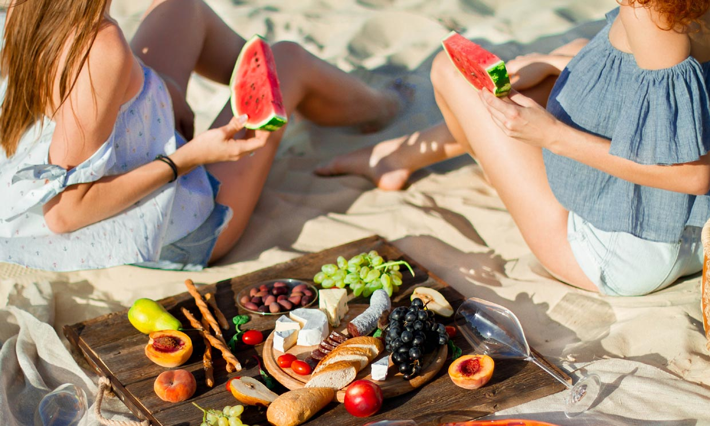 ¿Pueden los alimentos ayudarte a prevenir el daño que causa el sol en tu piel?