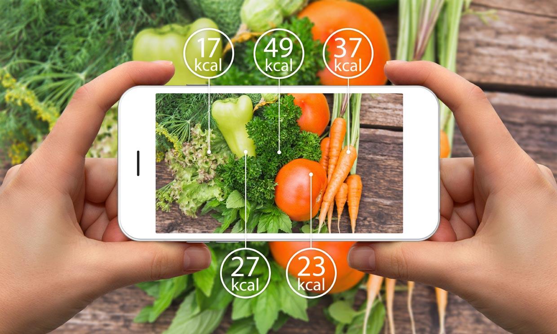 ¿Cuántas calorías debe consumir una mujer al día en función de su edad?