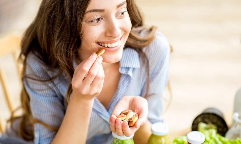 Alimentos saludables que te ayudan a combatir el hambre (cuando necesitas picar algo)