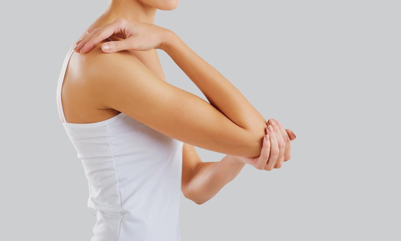 Ese dolor que sientes en el brazo, ¿podría ser codo de tenista?
