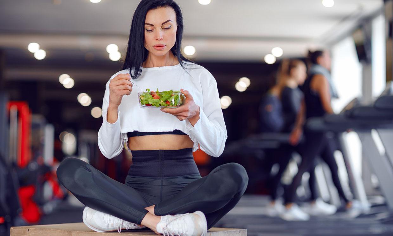 Cómo debe ser tu dieta si haces ejercicio y quieres evitar 'una pájara'