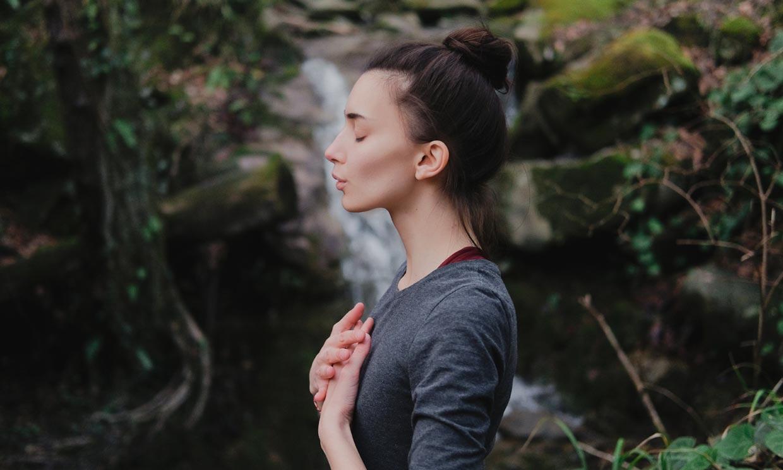 Con este ejercicio oxigenarás el cerebro y comenzarás el día llena de energía