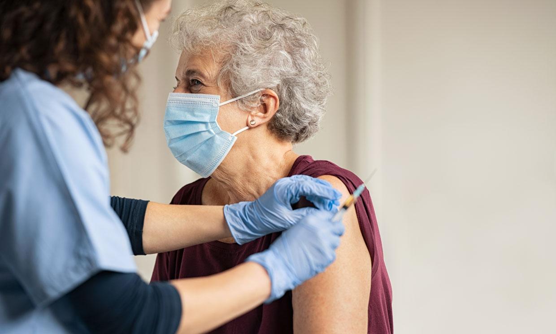 ¿Cómo funciona la vacuna para la COVID-19 y por qué es segura?