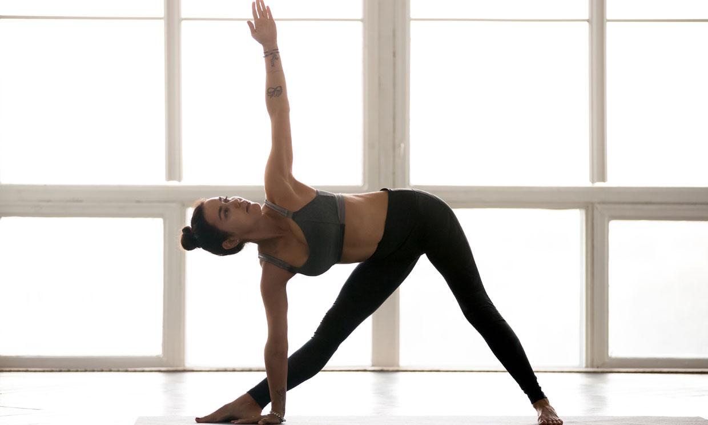 Postura del triángulo: como hacerla y beneficios - Foto 1