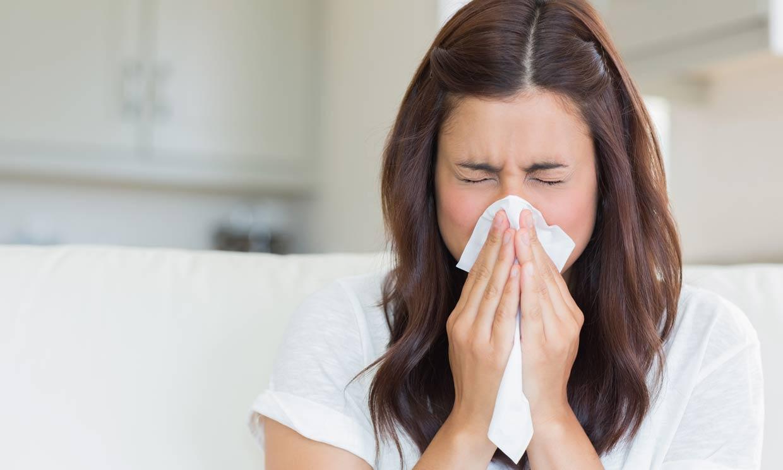 Por qué no debes reprimirlos y otras curiosidades sobre los estornudos