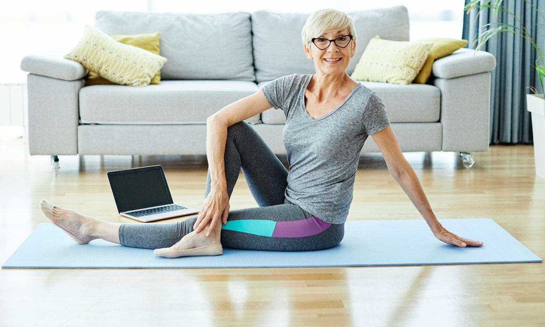 Todos los beneficios de practicar yoga en la madurez