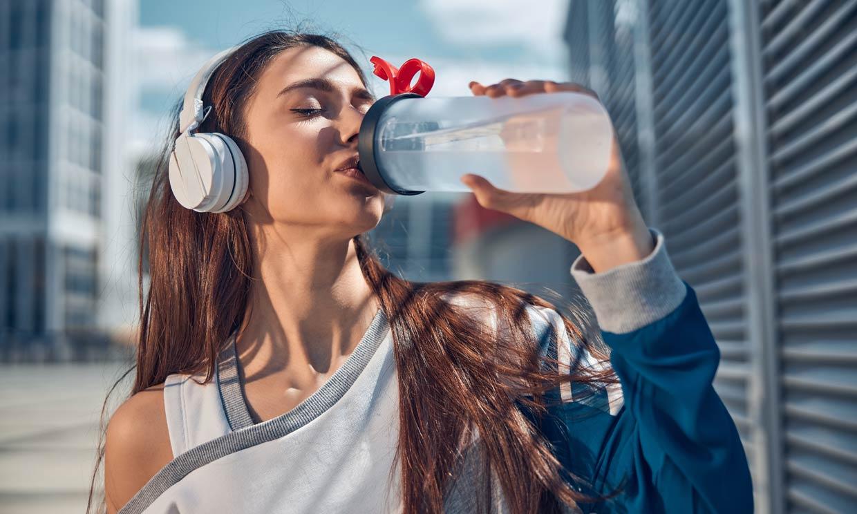 Beber poco puede sabotear tu dieta para adelgazar