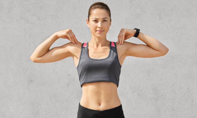 Ejercicios que te ayudan a corregir los hombros caídos