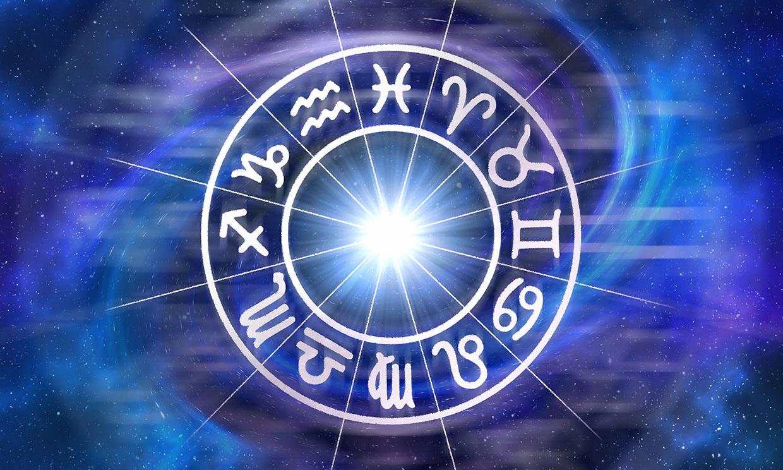 Horóscopo diario: ¿qué te deparan los astros este viernes, 23 de abril?