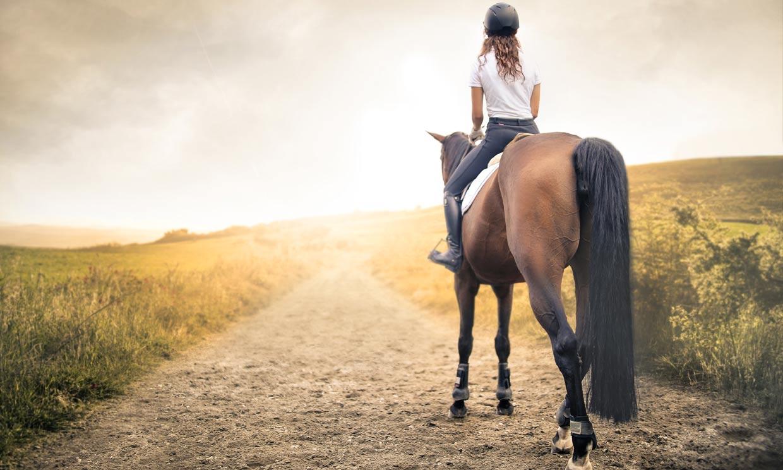 Montar a caballo: un ejercicio muy recomendable para tu cuerpo y para tu mente