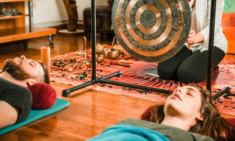 ¿En qué consiste la terapia del gong y cómo podemos aprovechar su sonido?