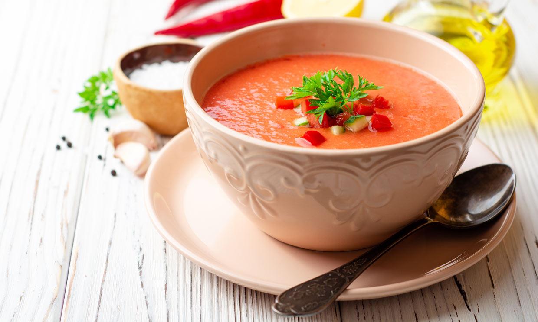 Las propiedades saludables del gazpacho, el plato estrella del verano