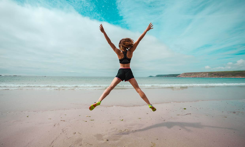 Los 5 ejercicios que tienes que hacer en la playa para definir tu silueta