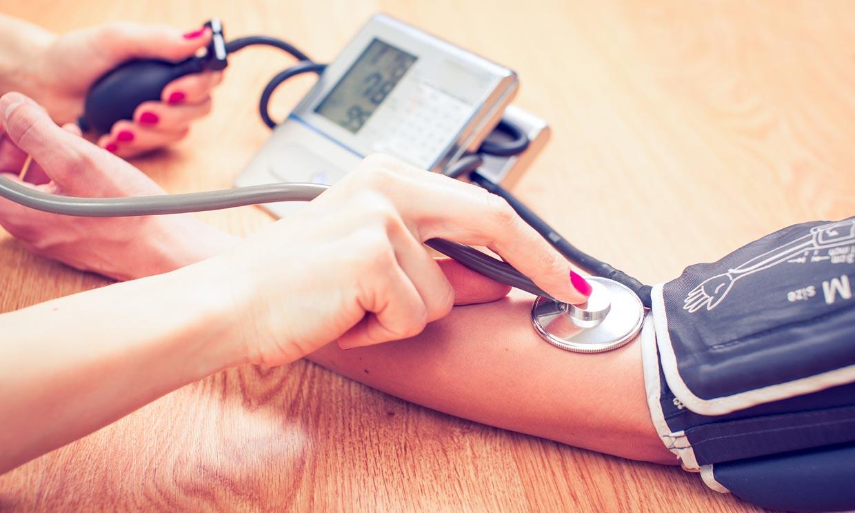 Consejos útiles para tomarte bien la tensión arterial