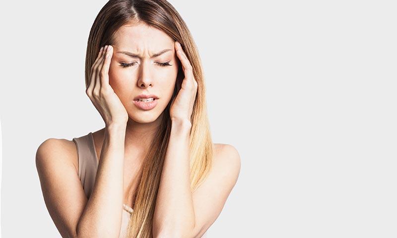 dolor de inicio por inflamacion de las meninges