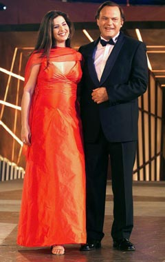 Nuria Roca, vestida de gala en su sexto mes de embarazo