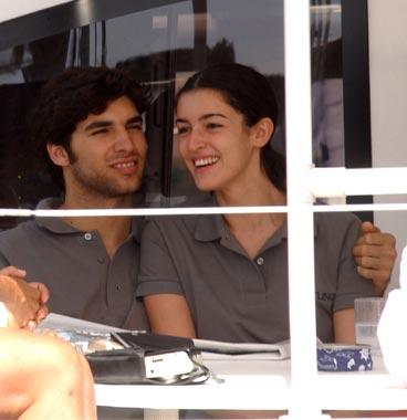 Cayetano rivera y blanca romero muy enamorados en una regata for Blanca romero y cayetano rivera