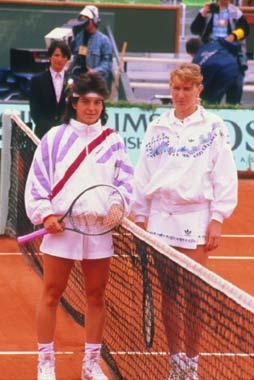Steffi Graf y Martina Hingis alaban a su gran rival Arantxa Sánchez Vicario