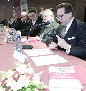 Ana Botella asiste a la presentación del libro del centenario de ABC