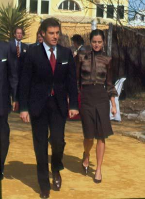 Carolina Adriana Herrera y El Litri, una atractiva pareja en la boda de Curro Romero