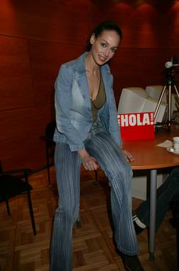 Así fue la charla con Eva González, Miss España 2003 (con vídeo)