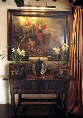 Victorio & Lucchino, en su magnífica casa-palacio de Sevilla