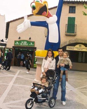 Marian Camino, vacaciones familiares junto a su marido y su hijo