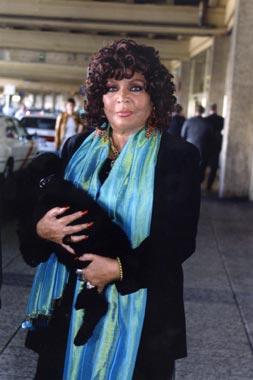 Sara Montiel: 'Tony no ha defendido como hombre el amor que yo le tenía'