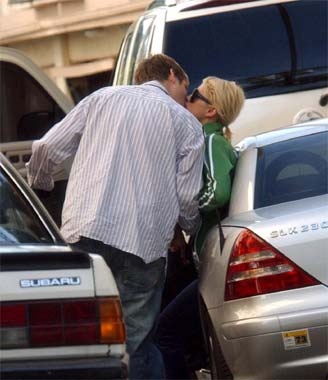 Paris Hilton sale ahora con Nick Carter, ex componente de los Backstreet boys