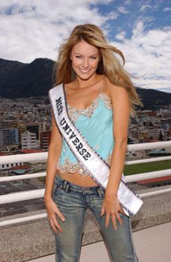 Las mejores fotografías de Jennifer Hawkins, Miss Universo 2004