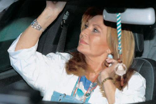 Así celebró Rocío Jurado su 60 cumpleaños horas antes de volar a Houston