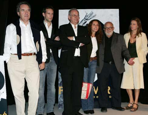 Gonzalo Miró en la presentación de la biografía de su madre