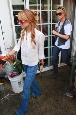 Paris Hilton y Nicole Richie entierran el hacha de guerra