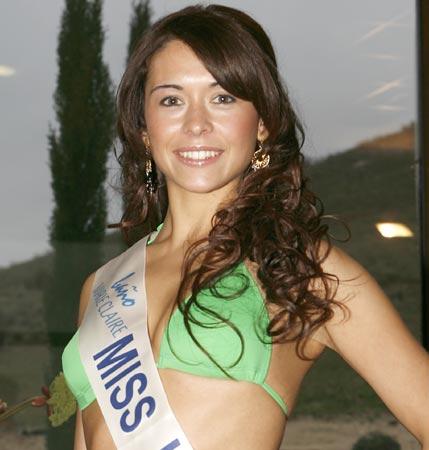Chabely Díaz, Miss Lugo: 'Si saliera elegida Miss España, pediría una excedencia en la policía local'