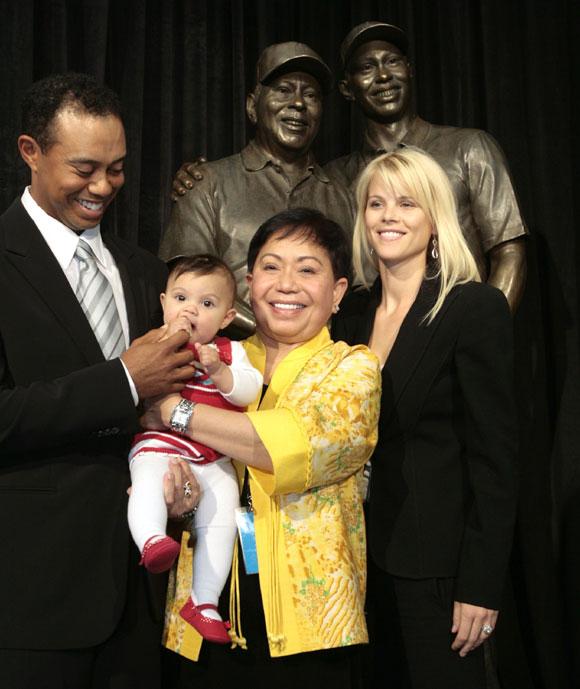 Tiger Woods homenajea a su padre en familia