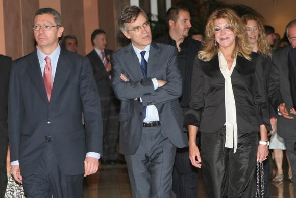 La Baronesa Thyssen zanja sus diferencias con Ruiz-Gallardón acompañada de Blanca y Borja