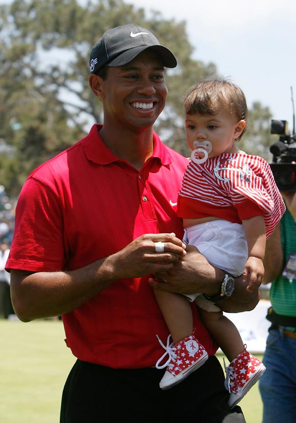 Tiger Woods presume de hija al ganar por tercera vez el Abierto de Estados Unidos
