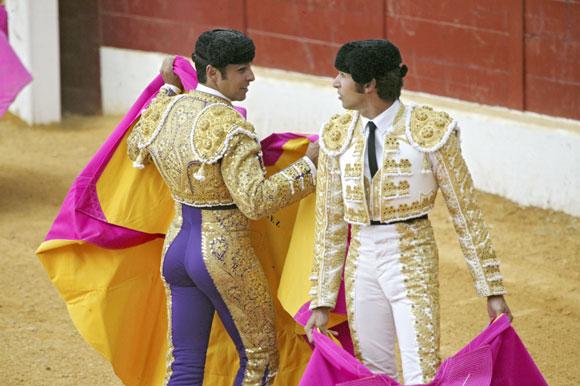 Los hermanos Rivera Ordóñez comparten la vuelta al ruedo y la puerta grande en la Feria de Torrejón