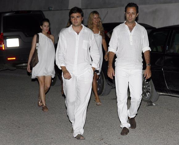 Carla Goyanes y su novio, Félix Ruiz, acuden a una fiesta ibicenca en vísperas de la boda de Cari Goyanes
