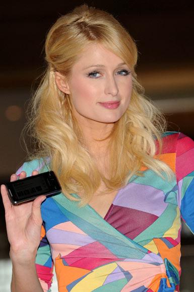 Entrevista con Paris Hilton: 'Soy un símbolo de felicidad, paz y glamour y...también soy 'hot', caliente'