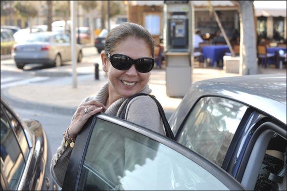 Isabel Pantoja regresa sonriente a Málaga, pero no se acerca a Julián Muñoz