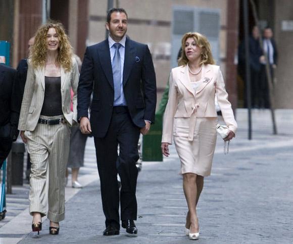 Carmen Cervera asiste, junto a Borja y Blanca, al nacimiento del futuro Museo Thyssen de Málaga