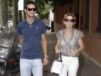 José Bono: 'Aseguran que mi nieto se parece a mí, aunque creo que lo dicen para agradarme'