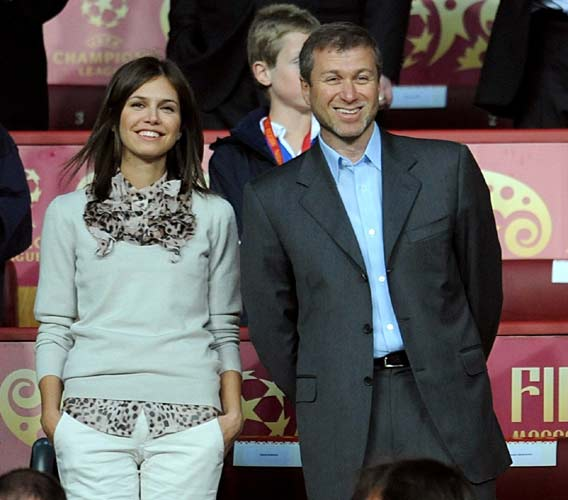 Roman Abramovich y Dasha Zhukova dan la bienvenida a su primer hijo