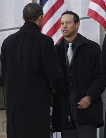 Tiger Woods se retira indefinidamente del golf hasta que resuelva sus problemas familiares