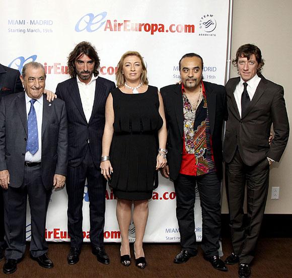 La familia hidalgo celebra los 19 a os de air europa inaugurando una nueva ruta a miami foto for Javier ruiz hidalgo