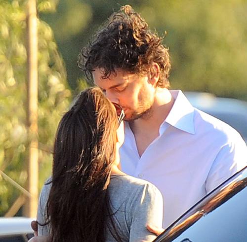 Pau Gasol y su novia, Silvia, gritan su amor a los cuatro vientos por las calles de Los Ángeles