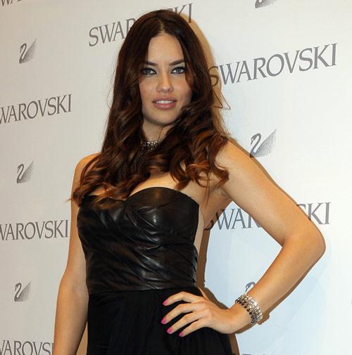 Adriana Lima en la apertura de la nueva boutique de Swarovski en  Madrid