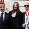 Karl Lagerfeld, condecorado por Nicolás Sarkozy con la Cruz del Comendador de la Legión de Honor