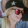 Paris Hilton lleva todo su 'glamour' a Sudáfrica, donde disfruta del Mundial de fútbol con su hermana y unas amigas